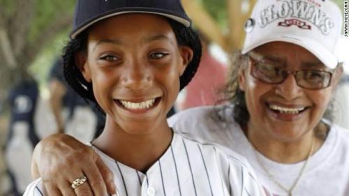 """Little League pitcher Mo'Ne Davis & Negro Leagues pitcher Mamie """"Peanut"""" Johnson"""